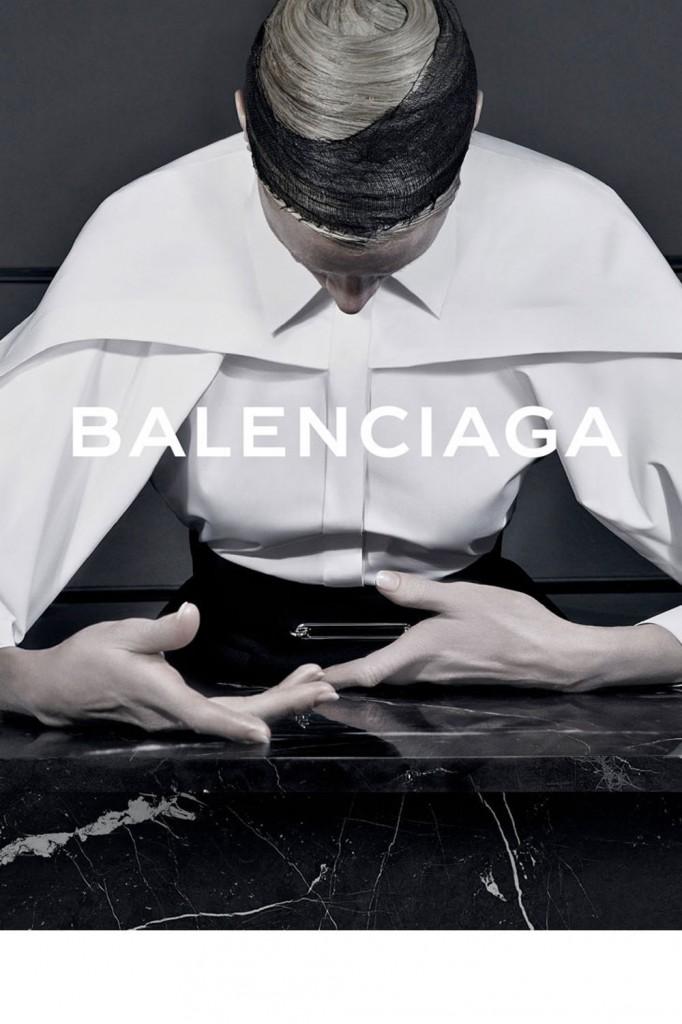 kristen-mcmenamy-balenciaga-02_v1000x1500